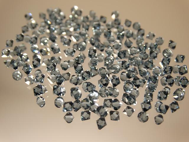 skleněné diamanty