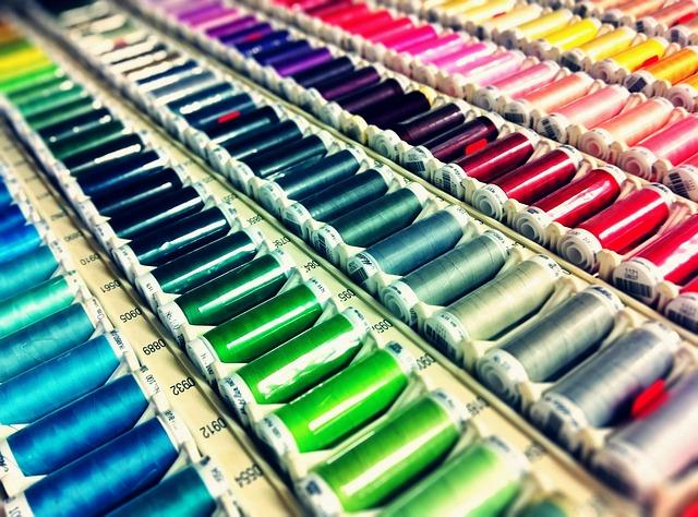barevné nitě.jpg